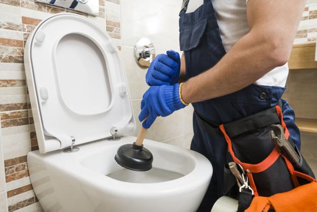 plombier débouchage wc paris